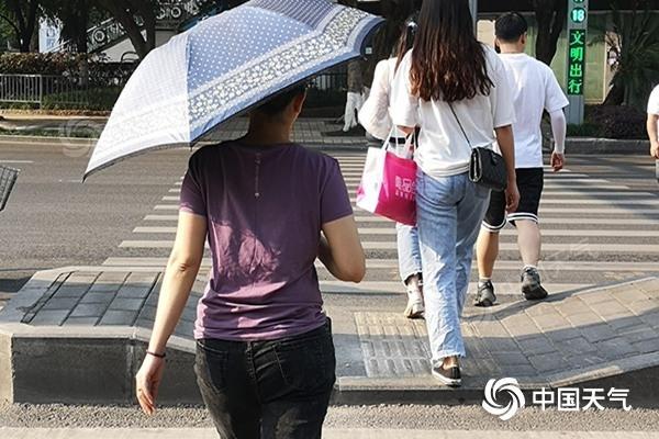 """重庆""""五一""""晴热开场最高气温将达36℃ 明起将迎降雨降温"""